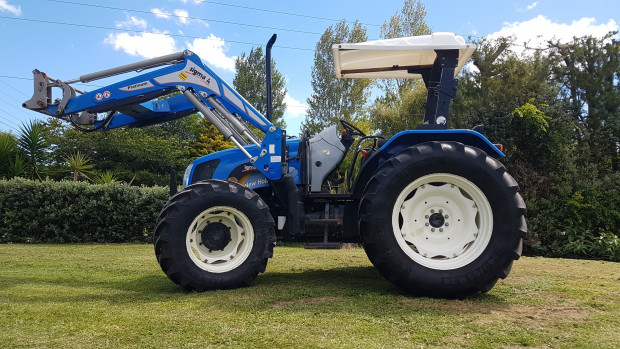 new holland t5060 tractor fwa/4wd