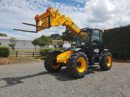 7 Metre JCB 531-70 Telehandler for hire